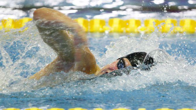 Lander Hendrickx zwemmend